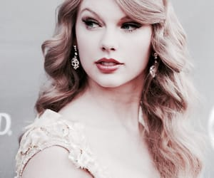 taylor and Swift image