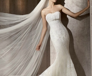 mermaid wedding dress image