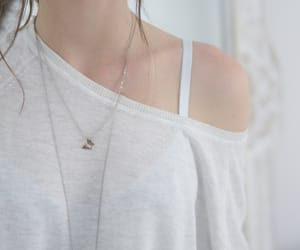 butterfly, necklace, and girl image