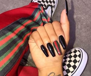 nails and gucci image