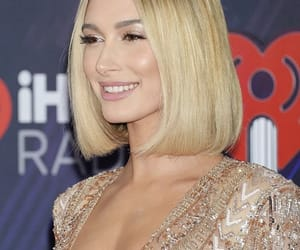 hailey baldwin and red carpet image