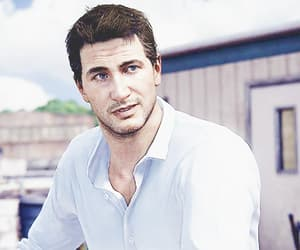 video games and nathan drake image