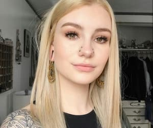 alt girl, alternative, and blonde image