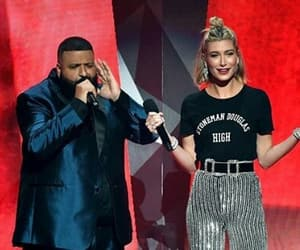 music awards, i heart radio, and hailey baldwin image