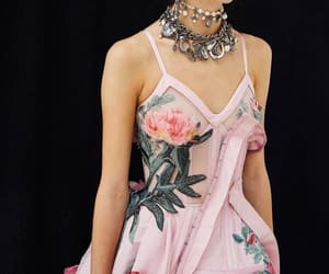 accessories, Alexander McQueen, and collection image