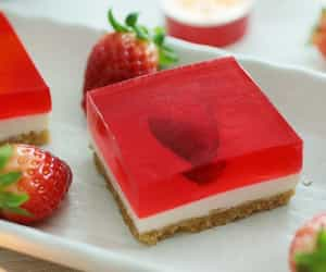 cheesecake, jelly, and recipe image