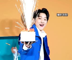 gif, wanna one, and guanlin image