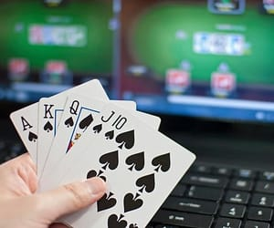 play online poker image