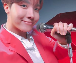 kpop, microphone, and red image
