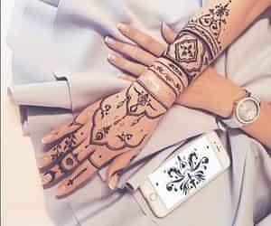 henna and fashion image