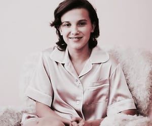 millie bobby brown, gif, and stranger things image