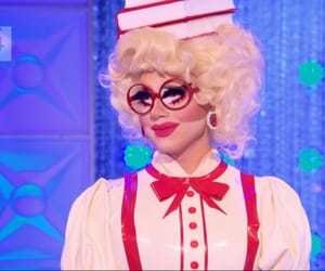 drag queens, red, and trixie mattel image