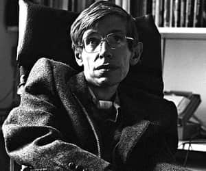 article, stephen hawking, and great minds image