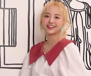 hyeseong, elris, and kpop image