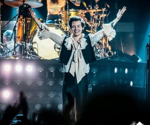 Harry Styles, harry, and live on tour image