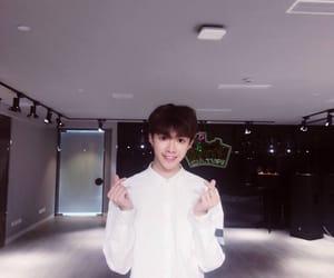 idol producer, 偶像练习生, and 陆定昊 image