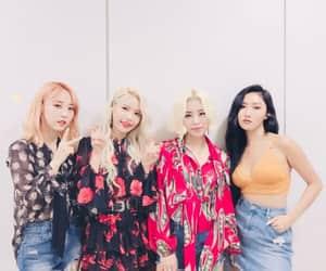 k-pop, kpop, and wheein image