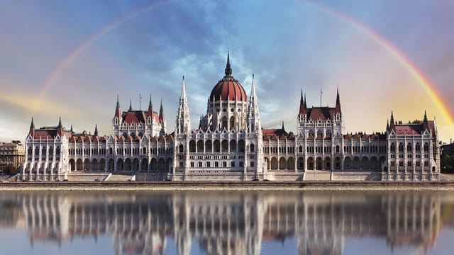 article, hungary, and language image