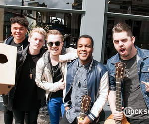 band, set it off, and boys image