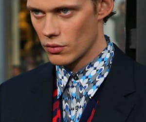 actor and bill skarsgård image