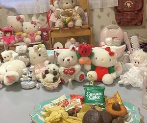 お菓子 and ぬいぐるみ image