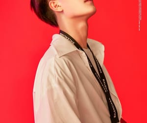 touch and taeil image