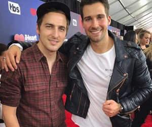 kendall schmidt, btr, and team maslow image