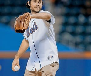 mets and dylan obrien image
