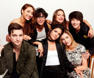 richard harmon, marie avgeropoulos, and the 100 image