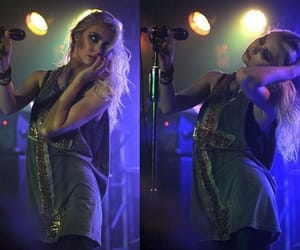 concert, style, and Taylor Momsen image