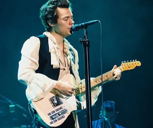 solo, tour, and harrystyles image