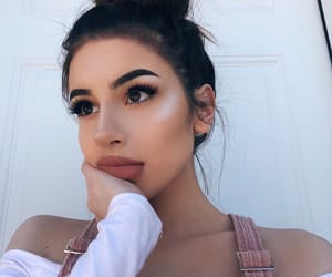 pretty girl, beautiful lady, and makeup goals image