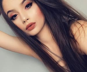 accessories, beautiful girl, and highlighter image