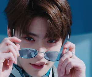 aesthetic, blue color, and eyeglasses image