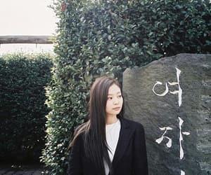 k-pop, rose, and lisa image