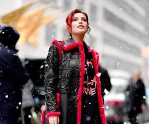 actress, red, and bella thorne image