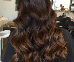 hairstyle, ondas, and morocha image