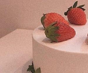 aesthetic, strawberry, and cake image