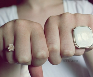 rings and www.anettee95.blogg.no image