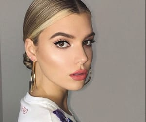 alissa violet and makeup image