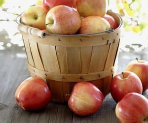 apple, fruta, and fruit image