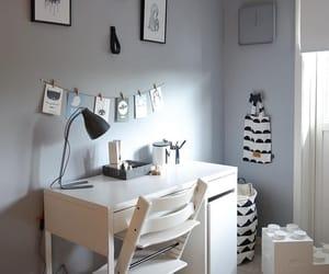 Blanc, Bureau, and desk image
