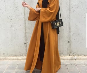 model and abaya image