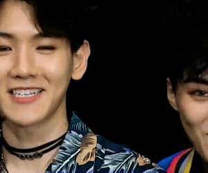 gif, exo, and baekhyun image