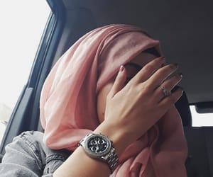 grunge, hijab, and luxe image