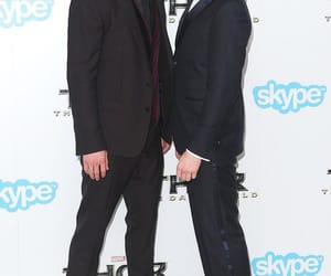 tom hiddleston and chris hemsworth image