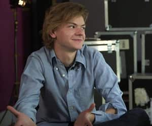 interview, thomas brodie-sangster, and newt image