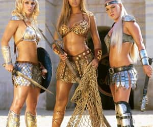 britney spears, beyoncé, and P!nk image