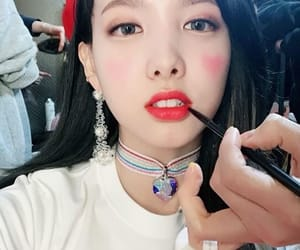 twice, nayeon, and kpop image