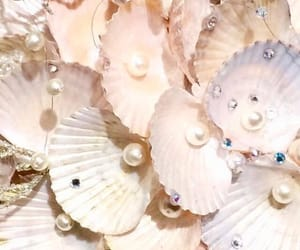 pearls, aesthetic, and pretty image